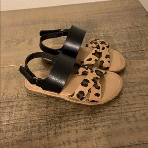 Old navy sandals size 6